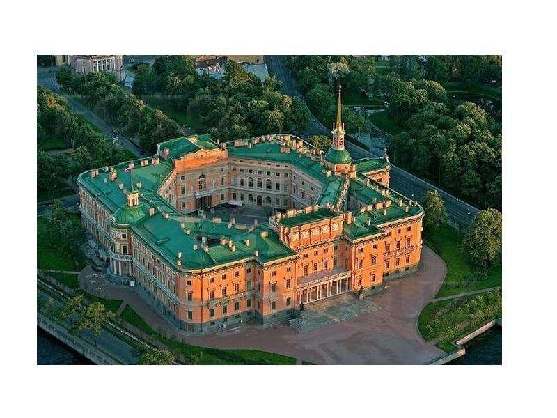 «Следы» Средневековой архитектуры в облике Петербурга, слайд 9