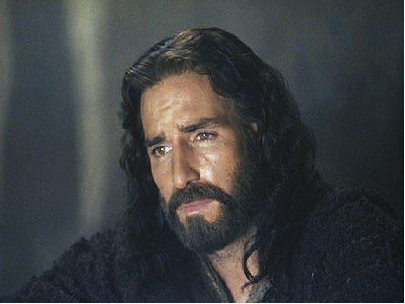 Resultado de imagem para É ERRADO TER FOTOS DE JESUS?
